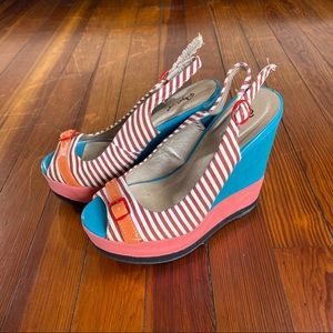 Qupid adorable wedges women's size 6 striped shoes